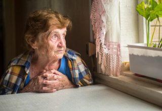 Adultos mayores soledad