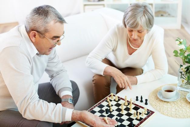 12 Juegos Divertidos Para Personas Mayores Familiados Com