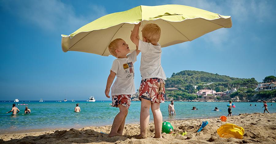 Precauciones de los cuidados de niños en verano